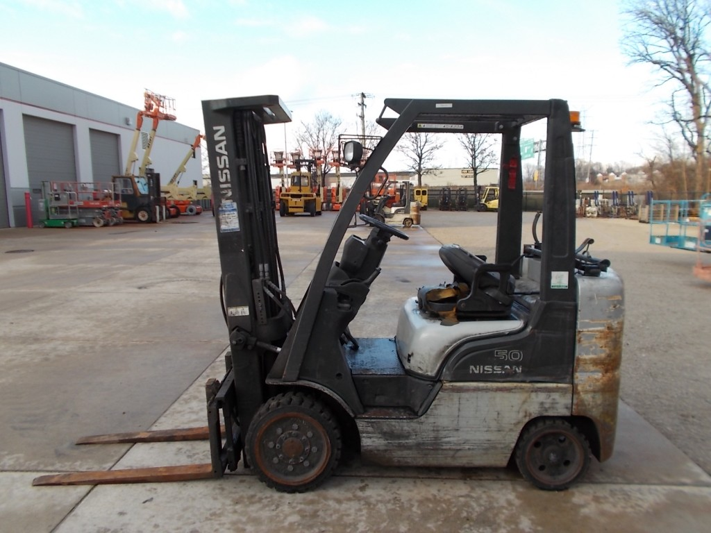 new-used-nissan-forklifts-for-sale