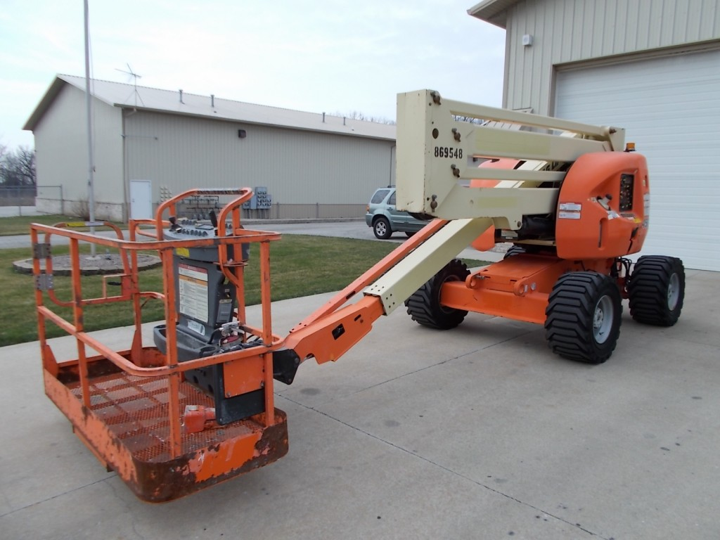 new-used-jlg-lifts-for-sale